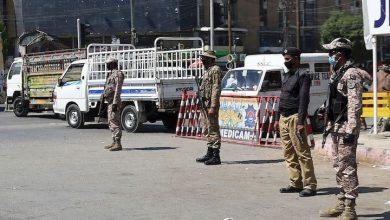 Photo of کراچی کے مختلف مقامات پر  کنٹینرز لگا کر سڑکیں بند کردی گئی