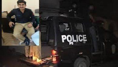 Photo of کراچی میں پولیس اہلکار شہری کو ڈاکووں سے بچاتے ہوئے شہید